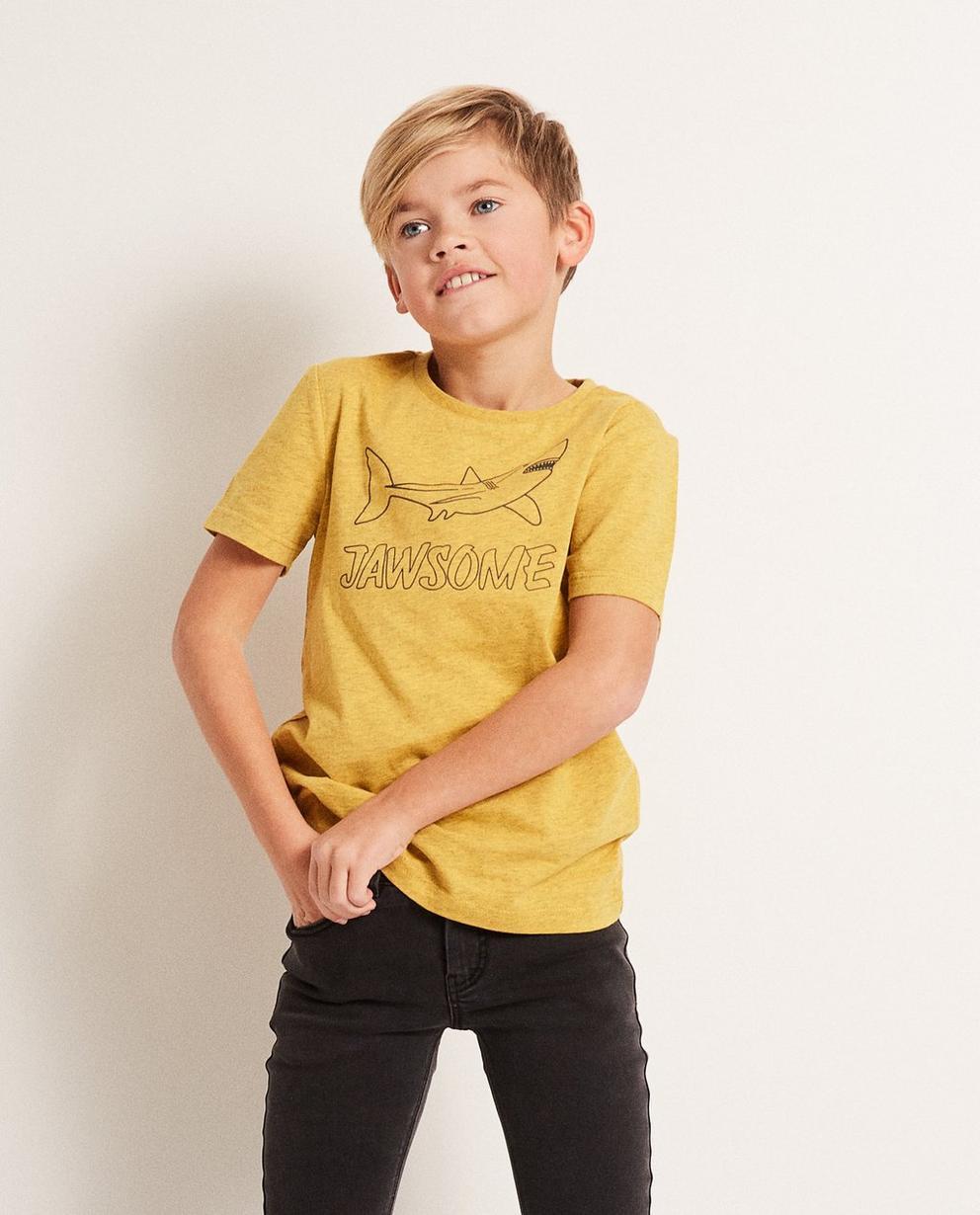T-Shirts - Ockergelb - T-Shirt mit Haiprint